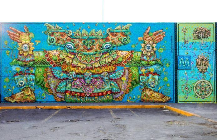 Gonzalo Areúz has painted a depiction of a spirit called Tlalli in this street art mural in Mexico